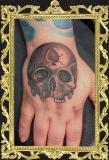 hand-skull