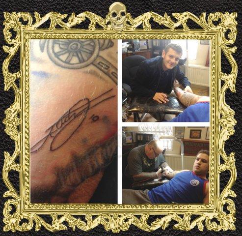 Jack-Signing-fans-arm